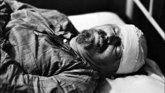 Trotsky Gandhi