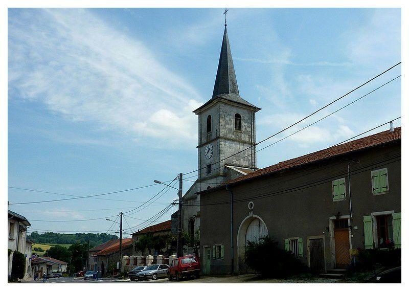 Église Saints-Abdon-et-Sennen XVIIIe à 3 nefs.