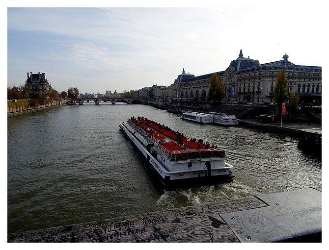 du même endroit : musée d'Orsay (ancienne gare) à droite, à gauche le Louvre (école du Louvre)