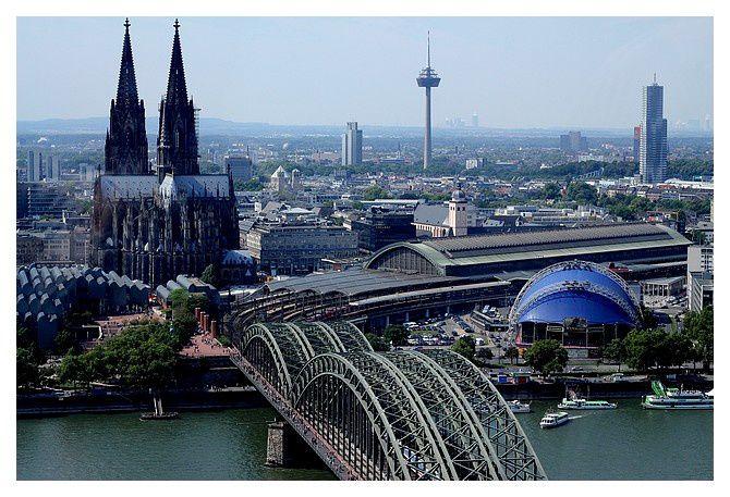 Cologne : Pont Hohenzollern ou Hohenzollernbrücke