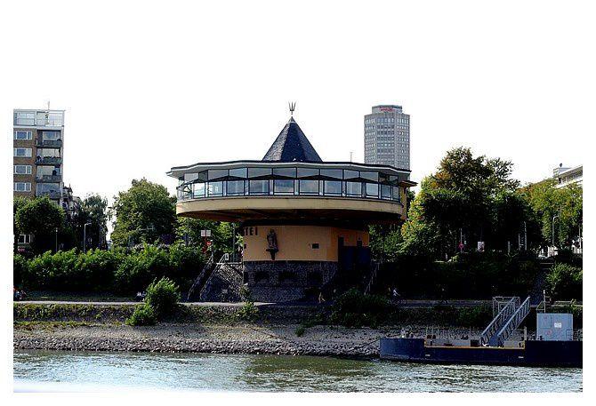Cologne : Bord du Rhin