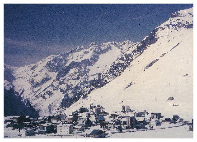 Les 2 Alpes (38); avril 1971