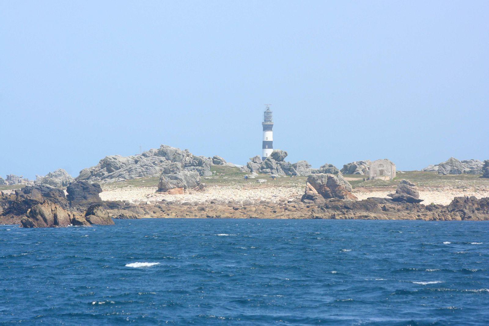 Pointe de Pern et phare du Creac'h...