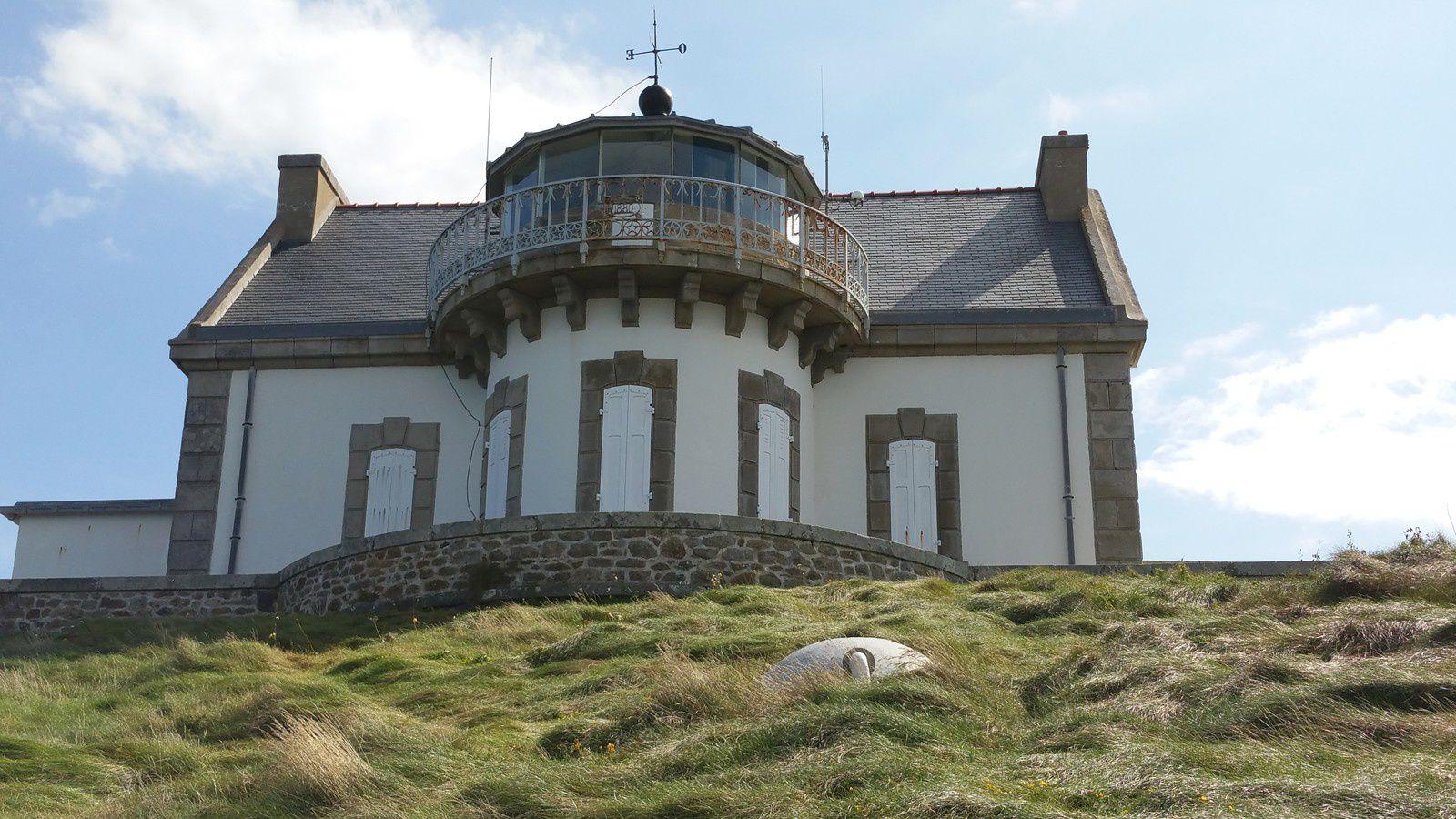 070 -  En longeant la côte nord du Cap Sizun vers le pays de Douarnenez, Porzh Lanvers, Porzh Piron, phare du Millier, Roches Blanches, Finistère, France, photos GeoMar