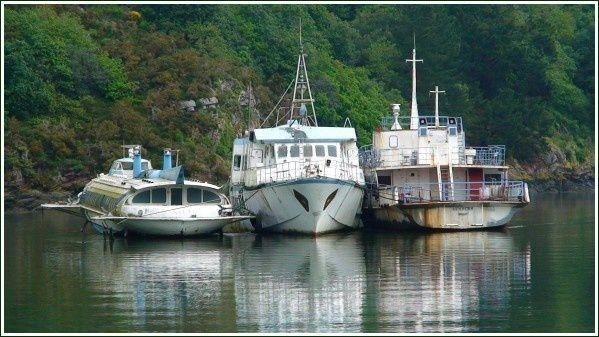 Cimetière des bateaux sur l'Aulne Maritime