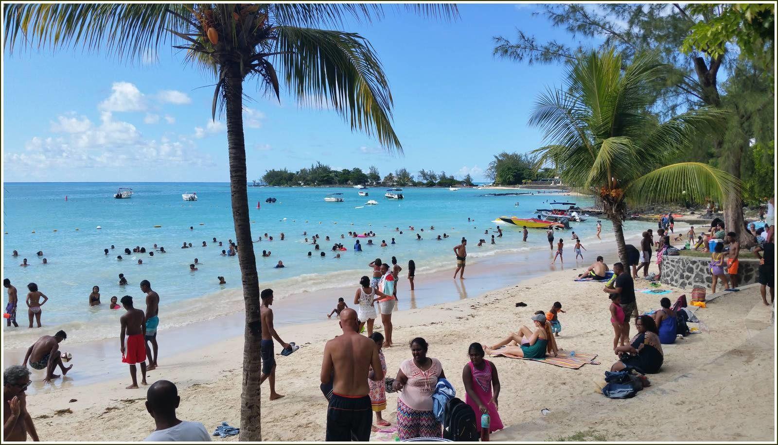 302 - Île Maurice, 26ème, février 2018  Nord de l'île un dimanche à Péreybère et Cap-Malheureux photos GeoMar