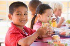 A table, les bonnes habitudes pour vos enfants