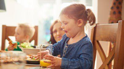 Comment garder votre enfant à table ?