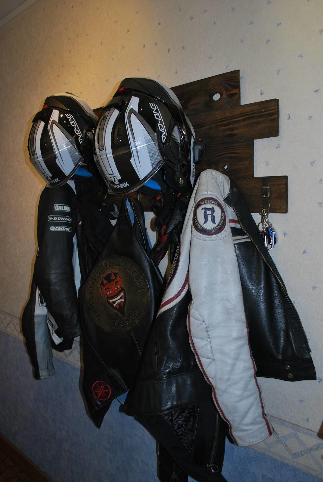 Porte-manteau pour motards