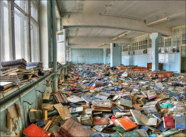 j'ai oublié de ranger ma bibliothèque; où ai-je égaré mon Journal d'un égaré ? le sommaire du Journal d'un égaré, 43 entrées sans N° de page pour apprendre à se sortir peut-être du labyrinthe