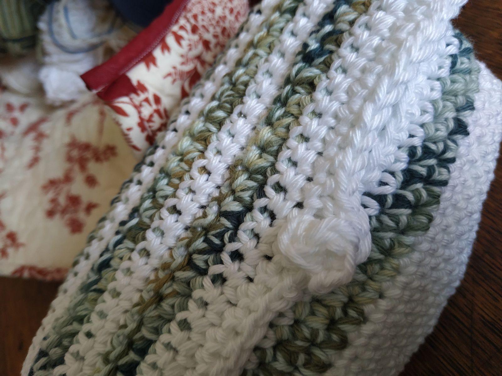 Petit rangement au crochet