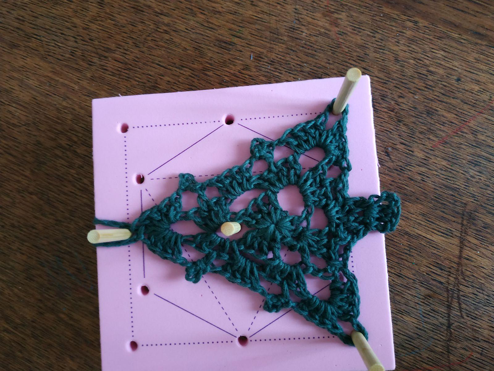 Sapins au crochet (préparons noel ...)