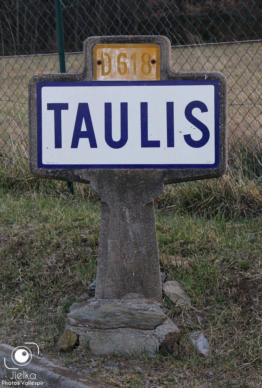 TAULIS, petit village des Aspres