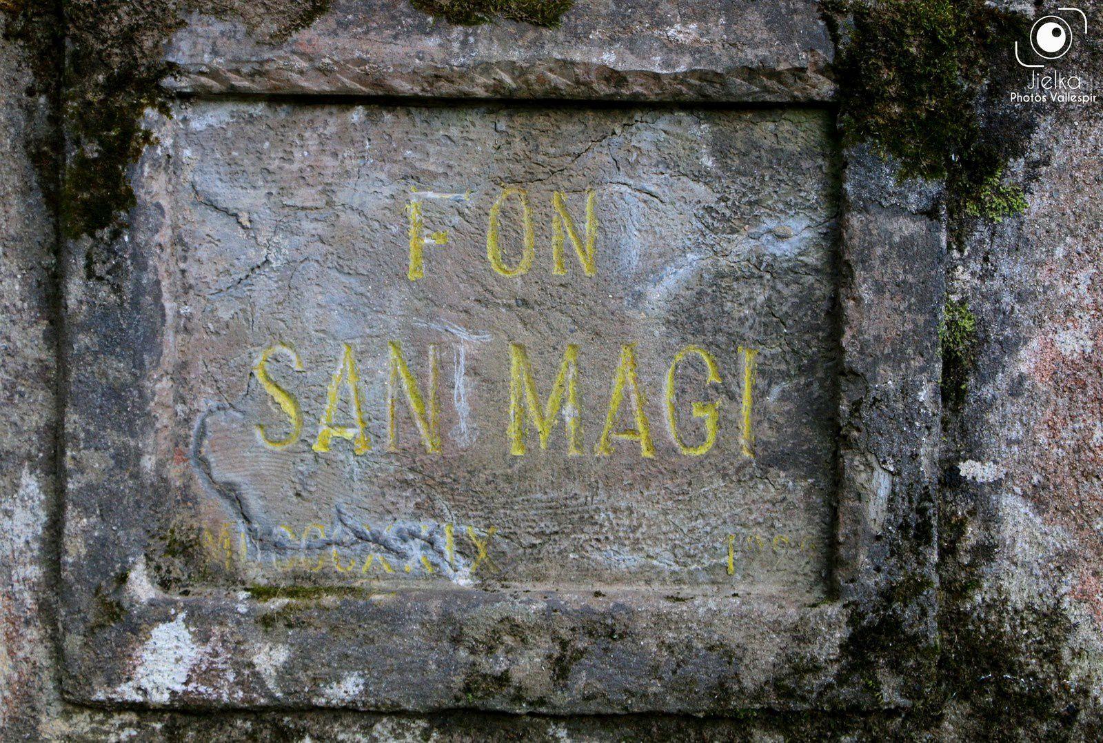 Sur la route qui monte au village on peut voir les restes d'un four à minerais de fer du début du 20ème siècle et d'autres curiosités plus ou moins intéressantes.