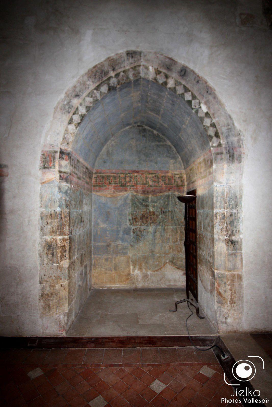 """La chapelle du roi, dédiée à la """"Ste croix"""", dite aussi la chapelle haute."""