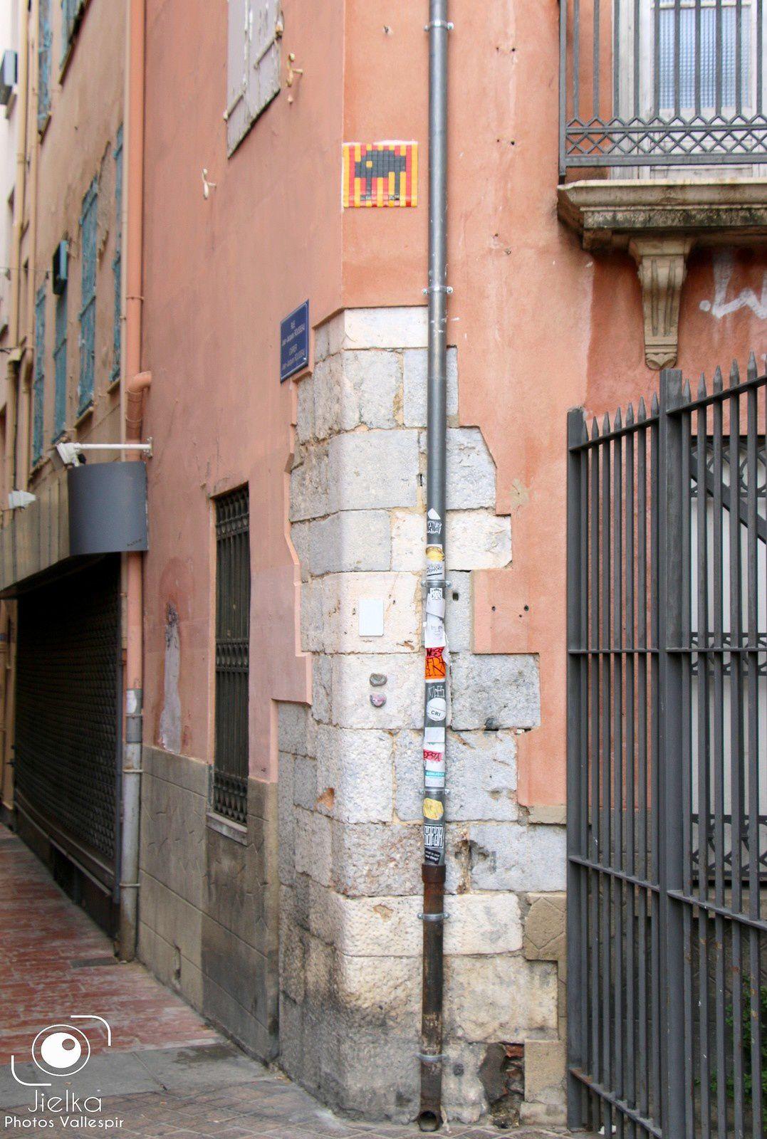 STREET ART, INVADER A PERPIGNAN...
