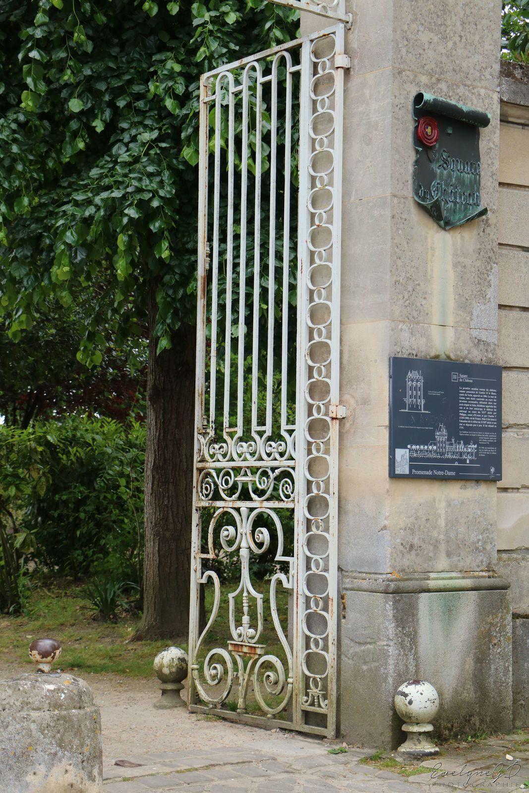 Au Square du Château..