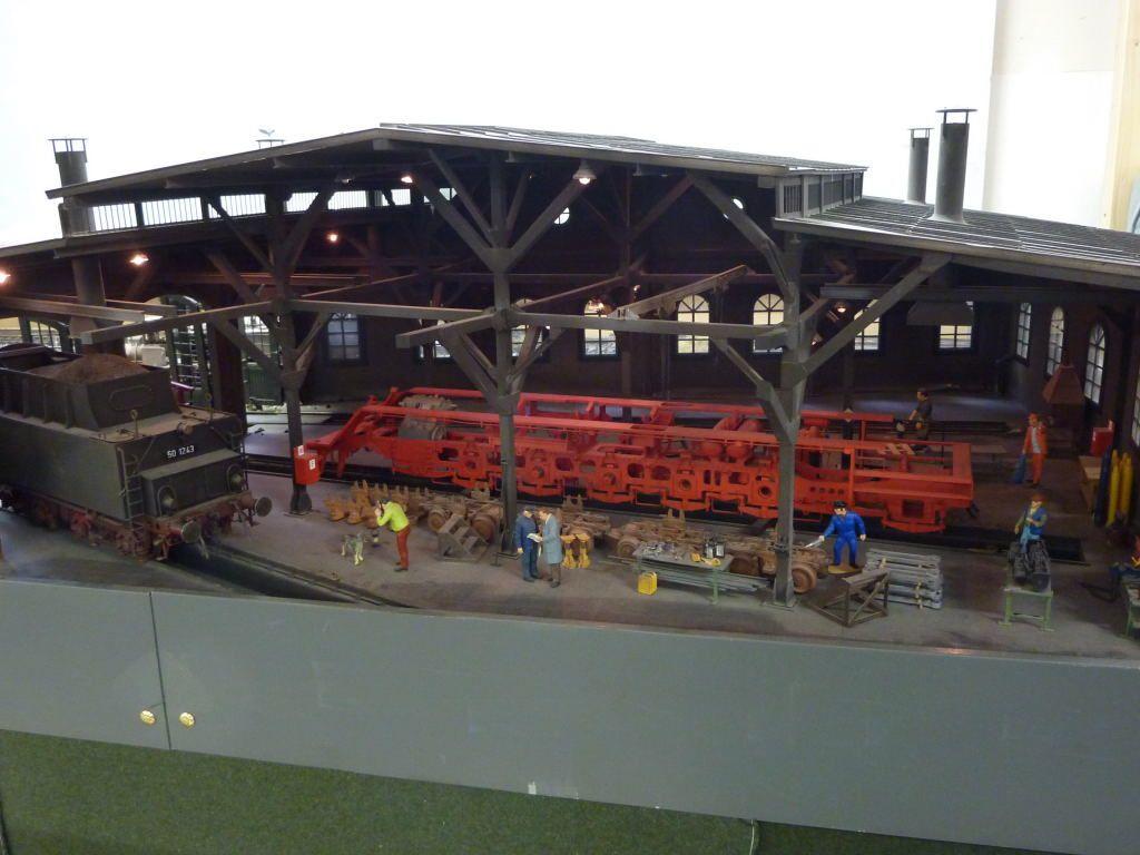 Photo d'une maquette d'un dépôt vapeur.
