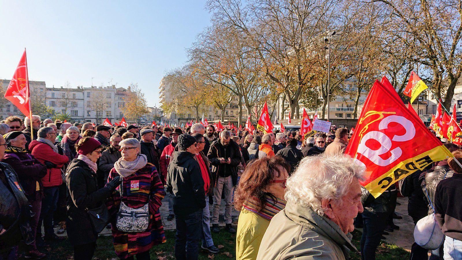 Retraites - Une sacrée mobilisation à Niort pour le 5 décembre