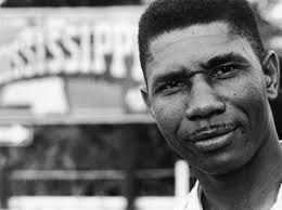 Medgar Wiley Evers, né le 2 juillet 1925 à Decatur et mort assassiné le 12 juin 1963 à Jackson dans ce même État, est un noir américain, défenseur des droits de l'homme et membre de la National Association for the Advancement of Colored People.
