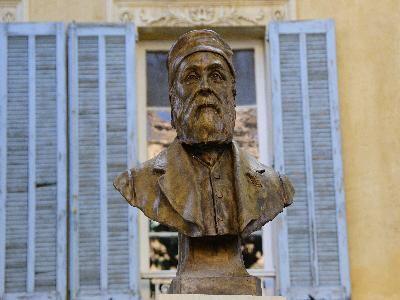 Statue de Crousillat (Salon-de-Provence)