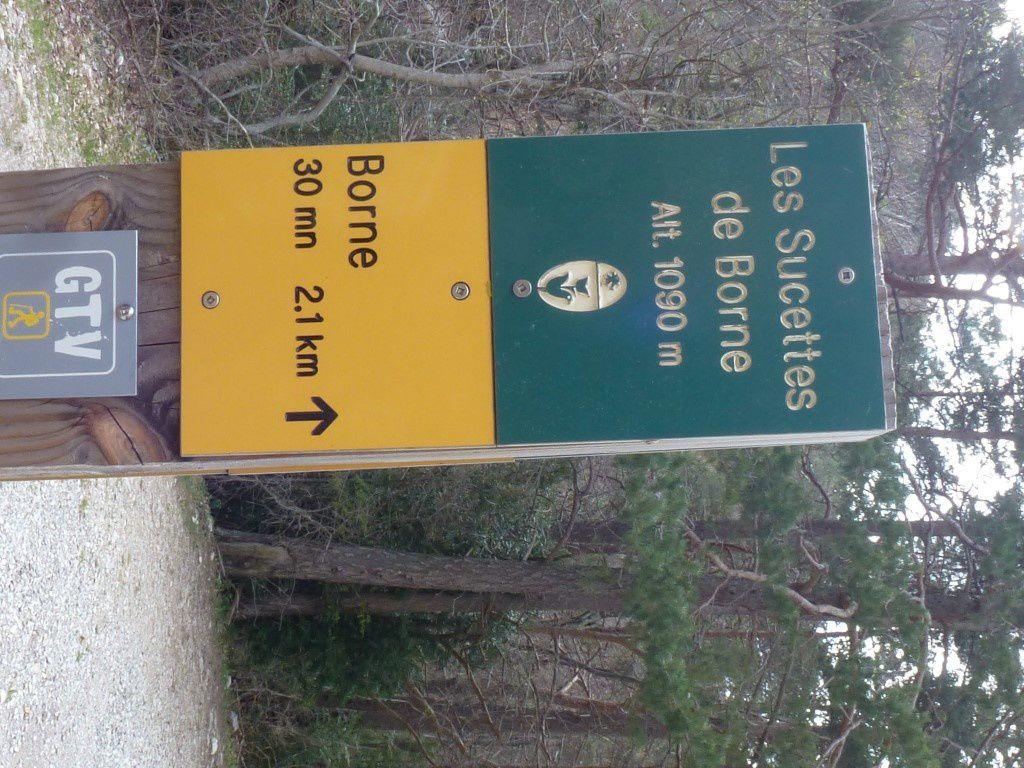 Le panneau indicatif (temps donné par la piste)