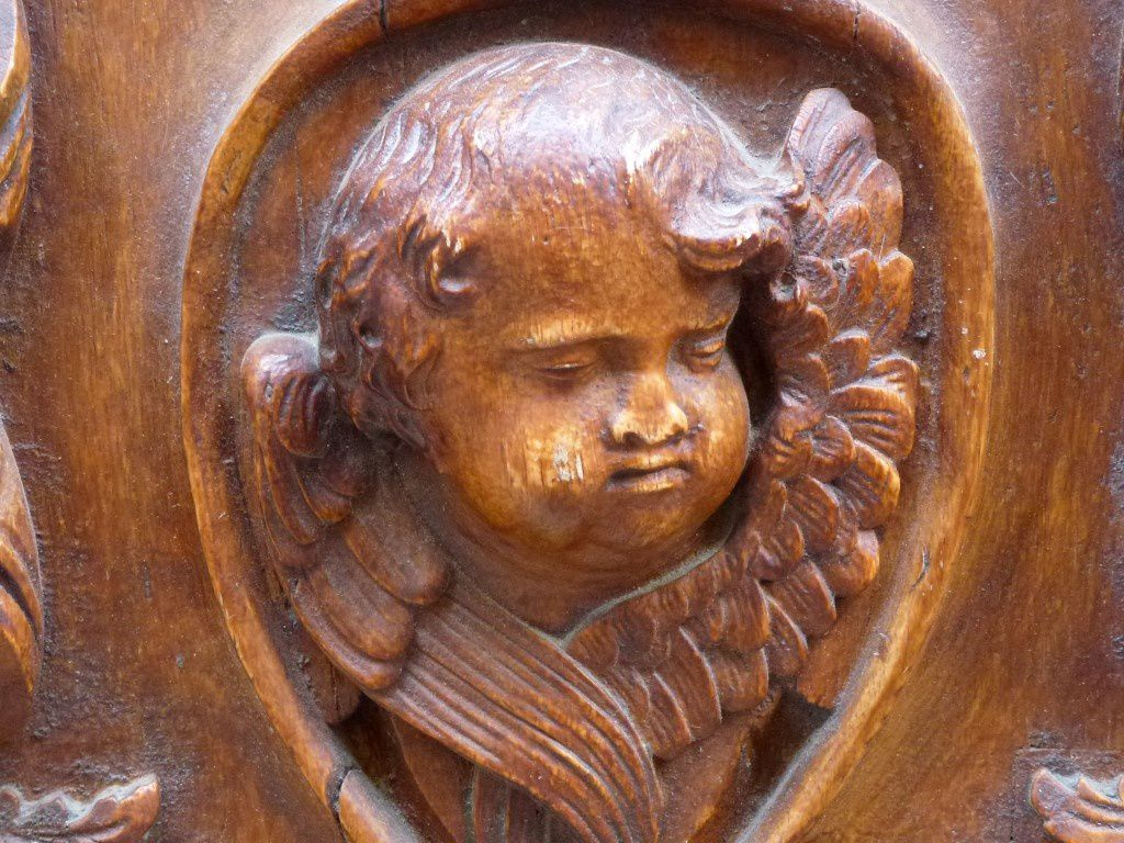 Un des angelots sculptés
