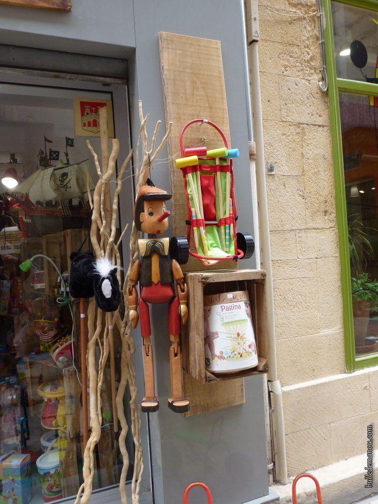 La vieille ville médiévale (2) / Balade à Sommières dans le Gard