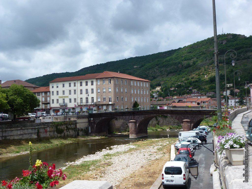 Un des ponts de la ville (je ne sais pas son nom !)