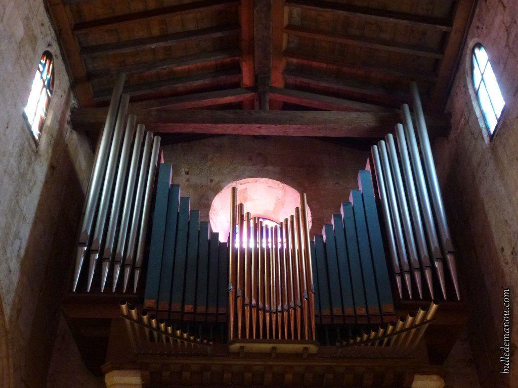 La charpente en bois et l'orgue