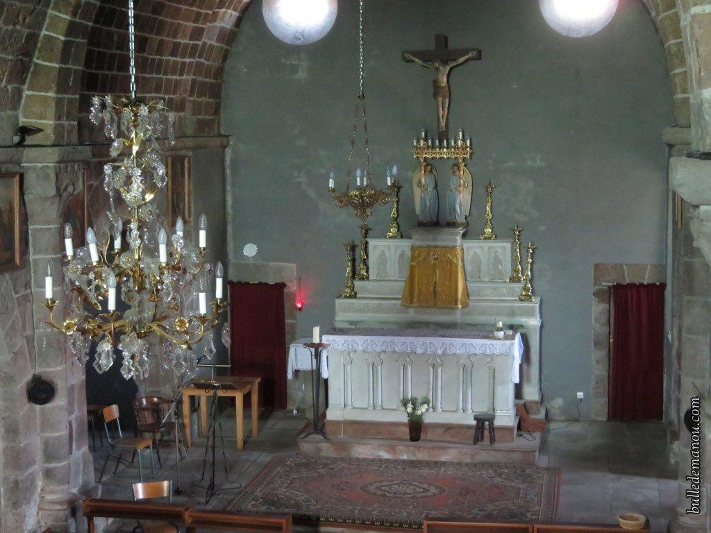 Le choeur et l'autel