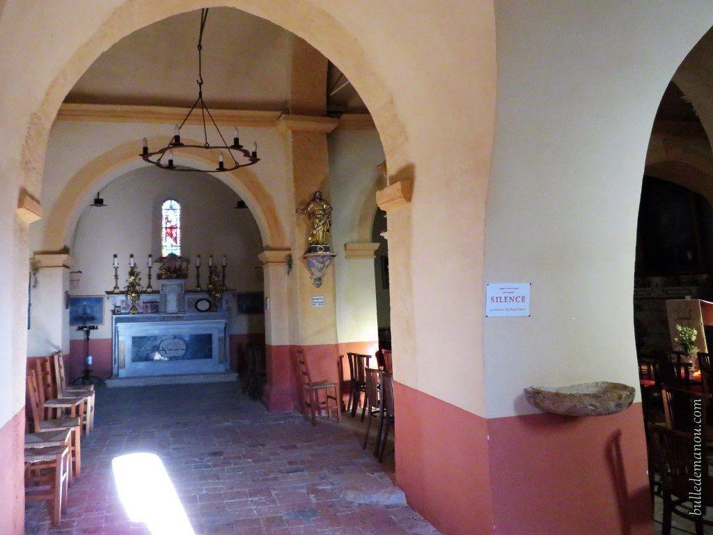 Face à l'entrée...l'autel dédié à Saint-Symphorien.