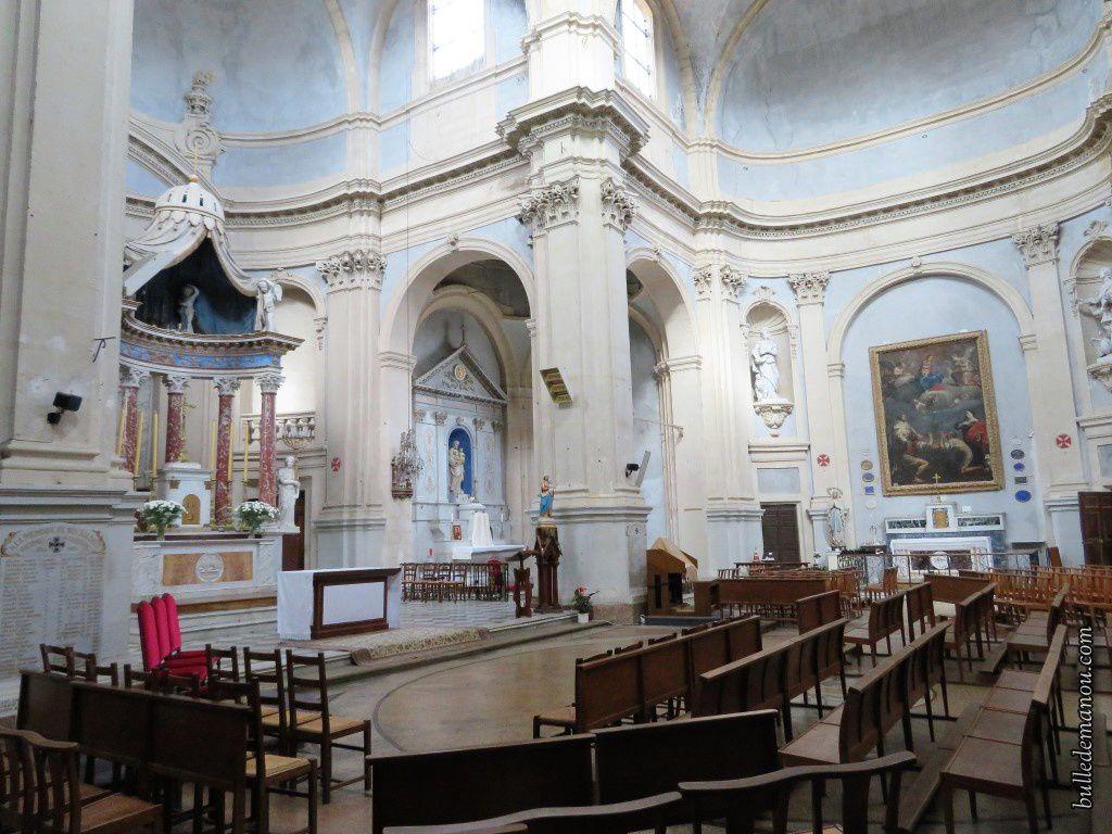 Autres vues de l'intérieur de l'église
