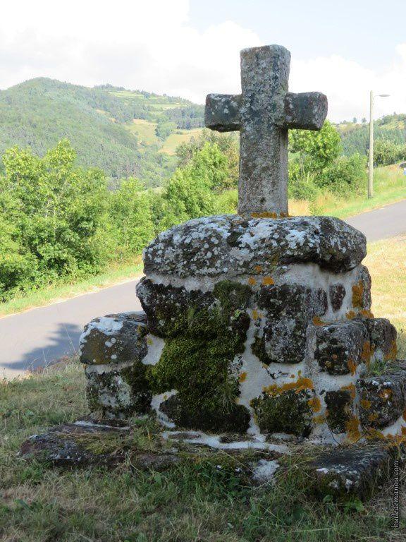 Des croix...