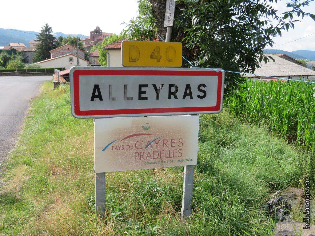 L'entrée du village d'Alleyras (43)