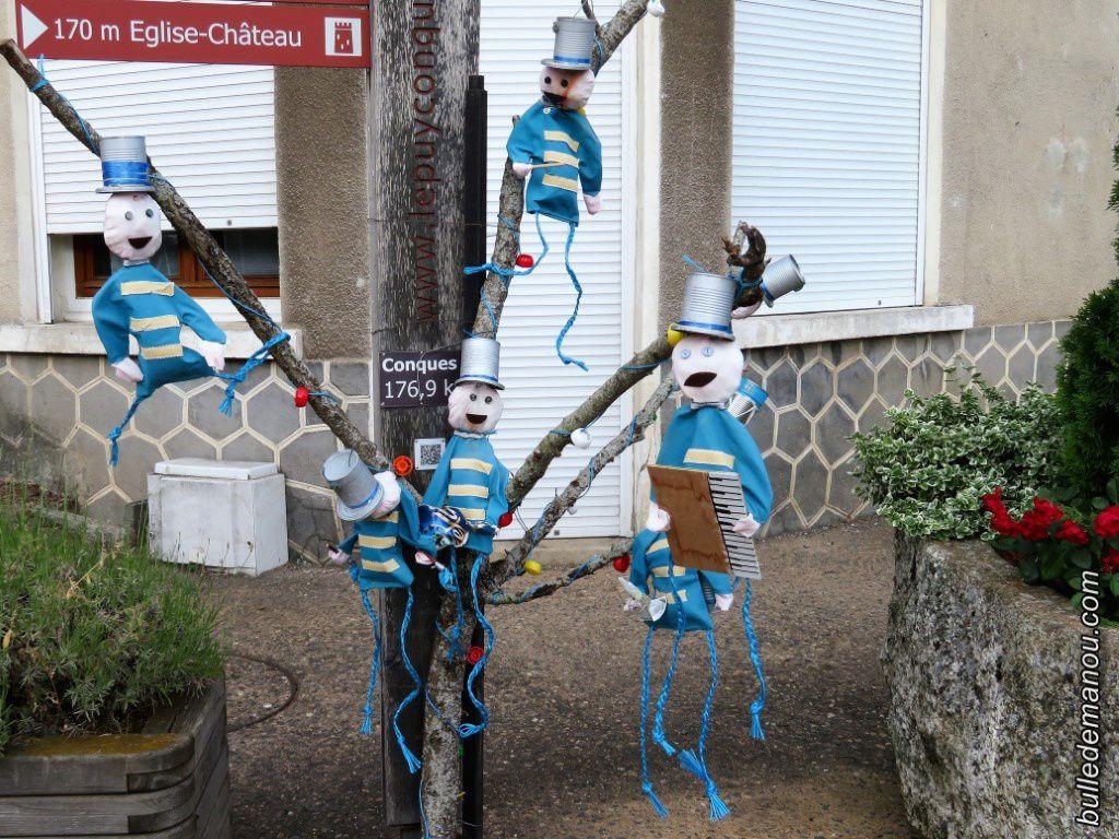 La musique s'installe dans les ruelles de Saint-Privat-d'Allier / Balade en Haute-Loire