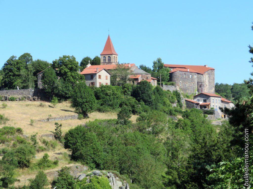Le bourg de Saint-Privat-d'Allier (l'église et le château)