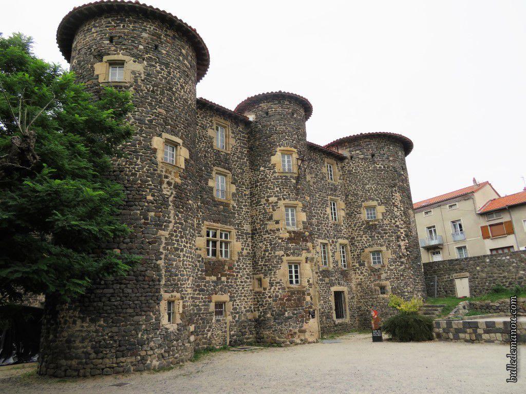 Le château du Monastier