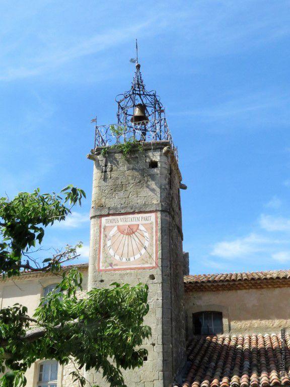 Le clocher-horloge