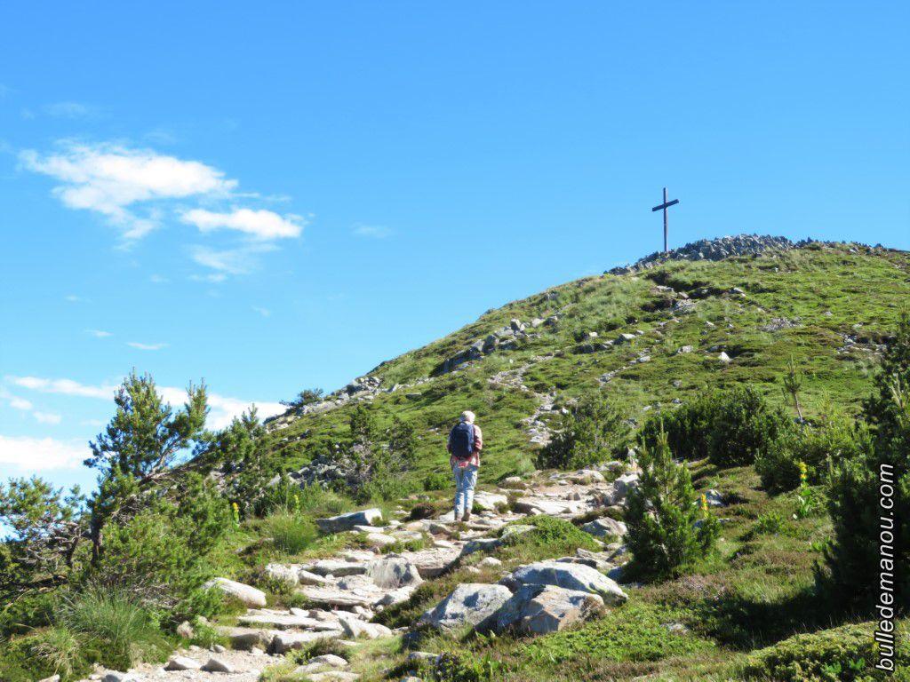 Nous partons à gauche pour rejoindre la croix