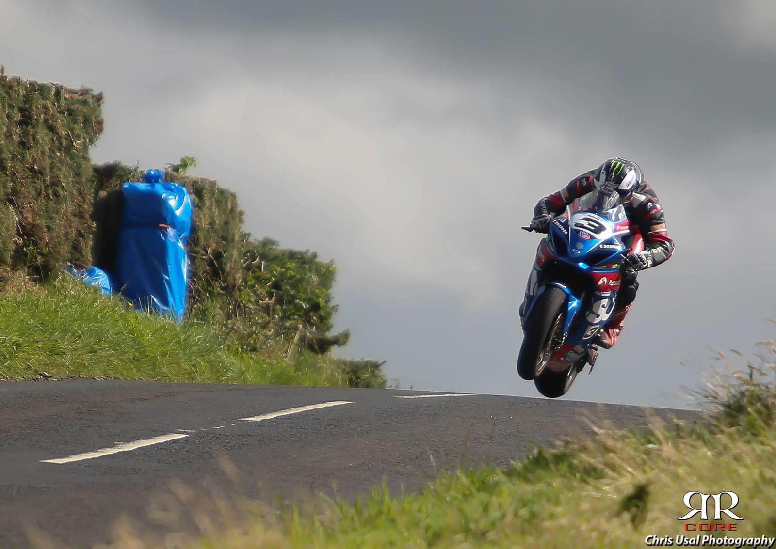 Michael Dunlop sur ses terres ©Chris Usal