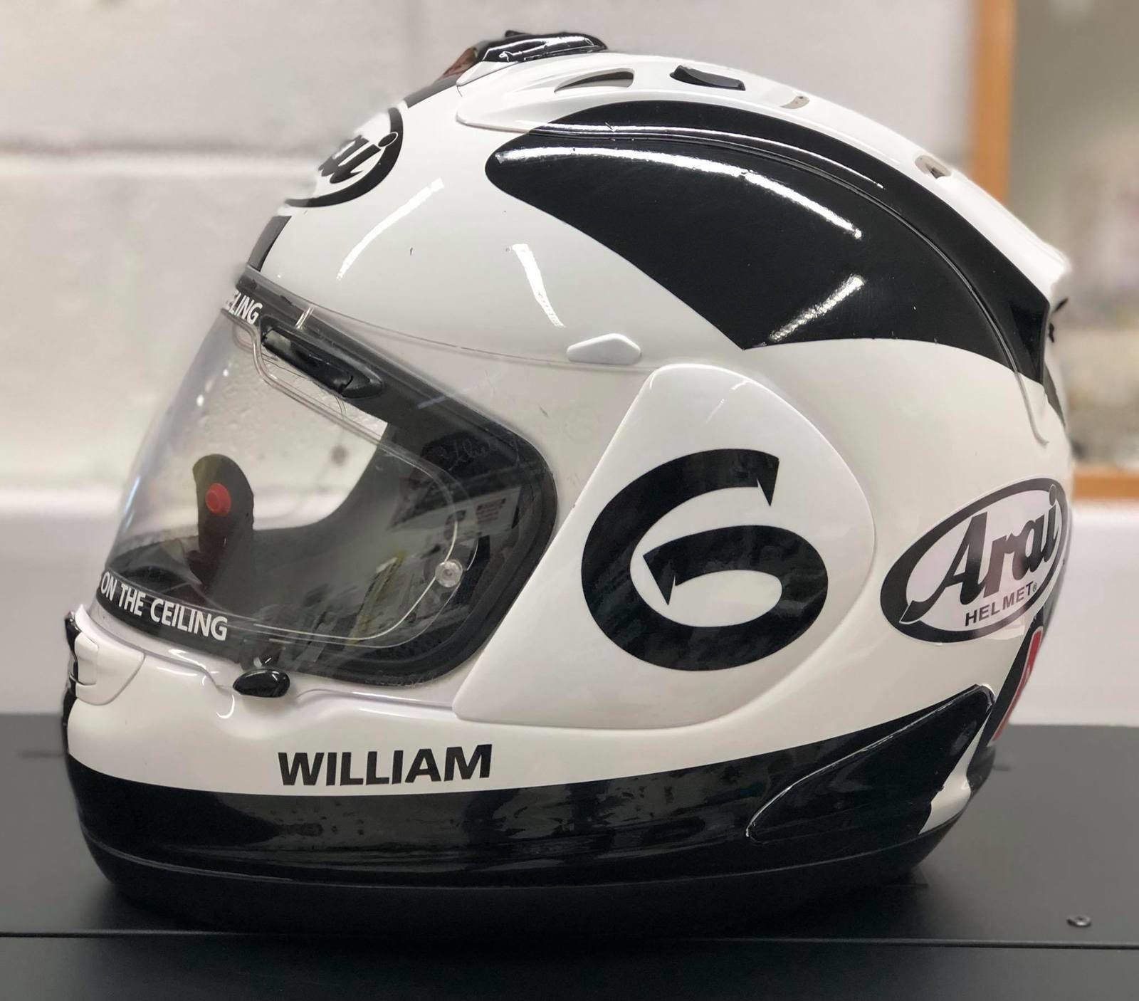 Sam Dunlop rend hommage à William Dunlop.