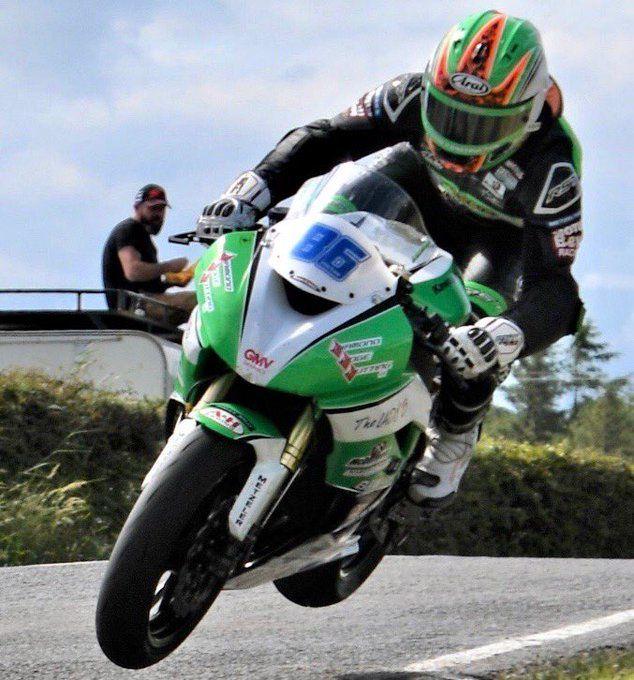 Derek McGee de retour après son crash au TT.