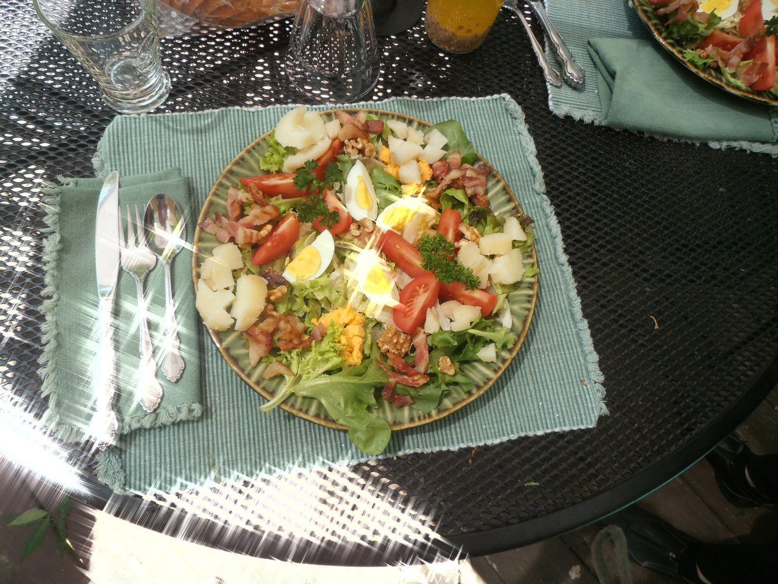 """Nous avons trouvé cette recette d'assiette """"campagnarde"""" dans certains restaurants de France et les produits de la ferme nous permettent de la refaire !"""