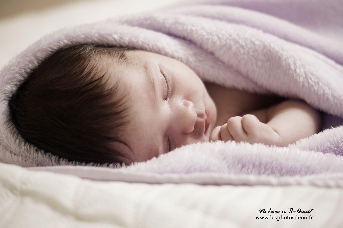 Photographe naissance Ain, Séance photo avec la jolie Léa, par Nolwenn Bihaut photographe