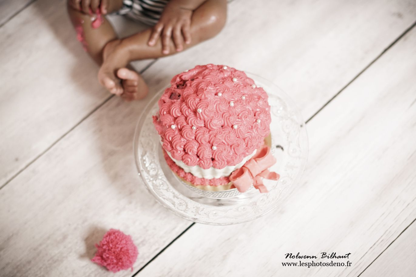 Smash the cake de Kiara, au studio de Nolwenn Bilhaut photographe