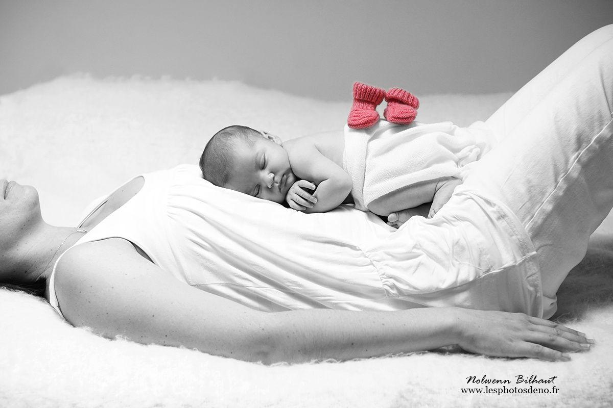 Photos de Naissance vers Bourg en bresse, joli bébé de quelques jours photographié par Nolwenn Bilhaut