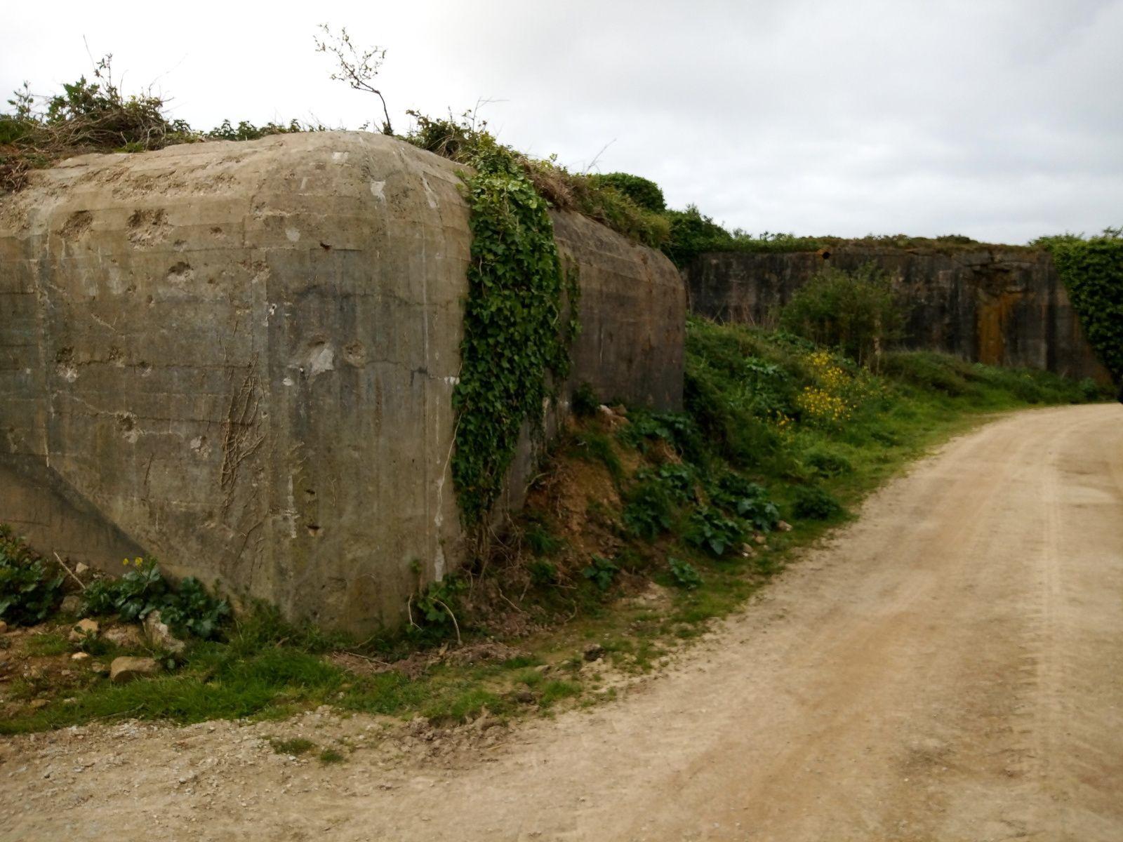 Plougonvelin(Bretagne Finistère)la Pointe st Mathieu et la batterie Graf Spee