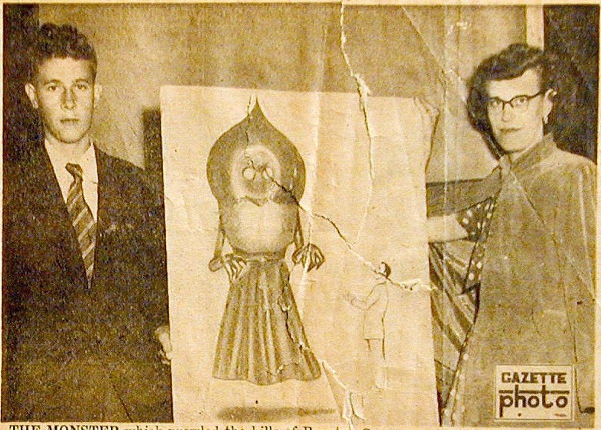 (1952) L'extraterrestre de Flatwoods Ob_dae70c_braxtoncountymonstergazettecropped