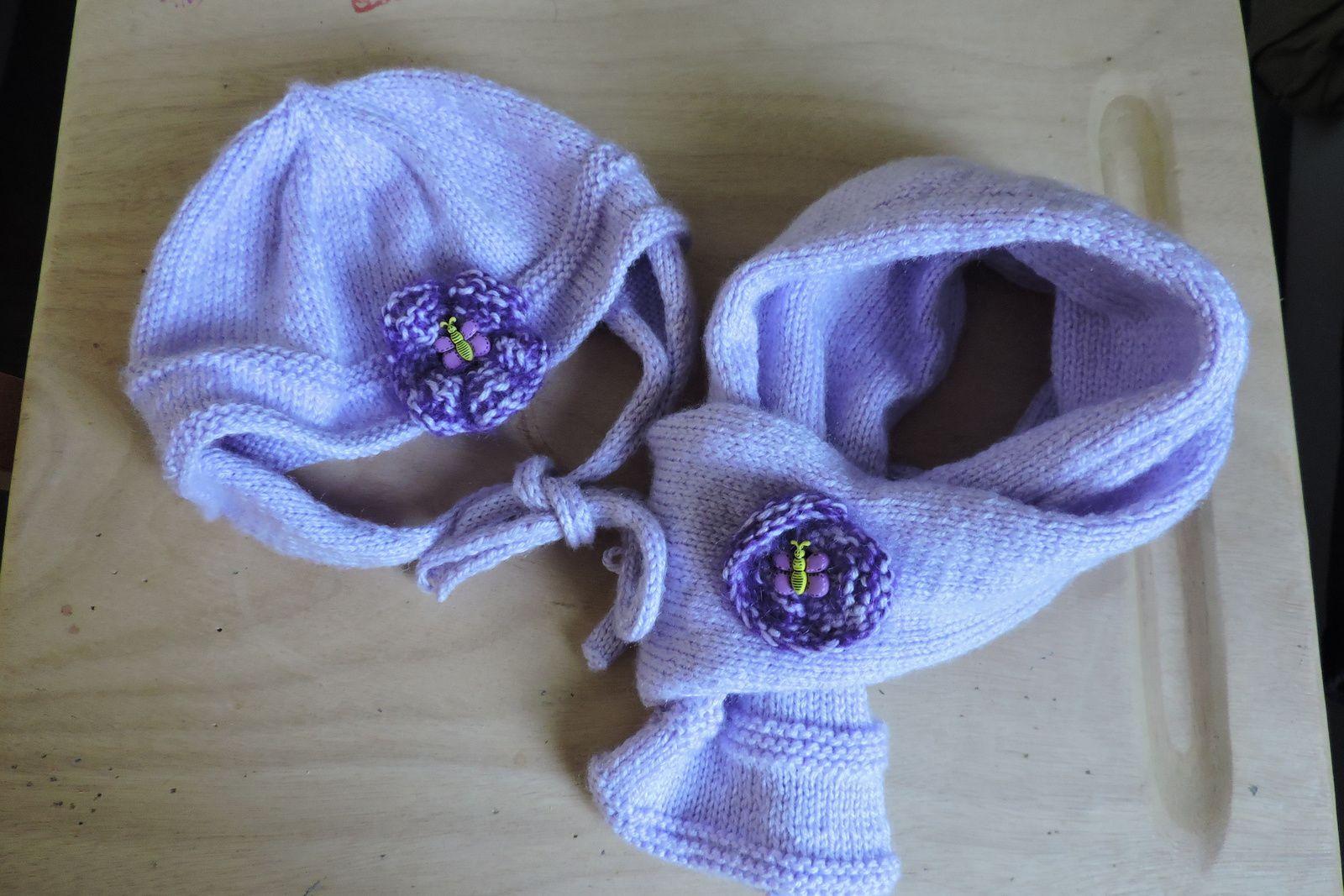 Ensemble bonnet et echarpe pour Noémie .